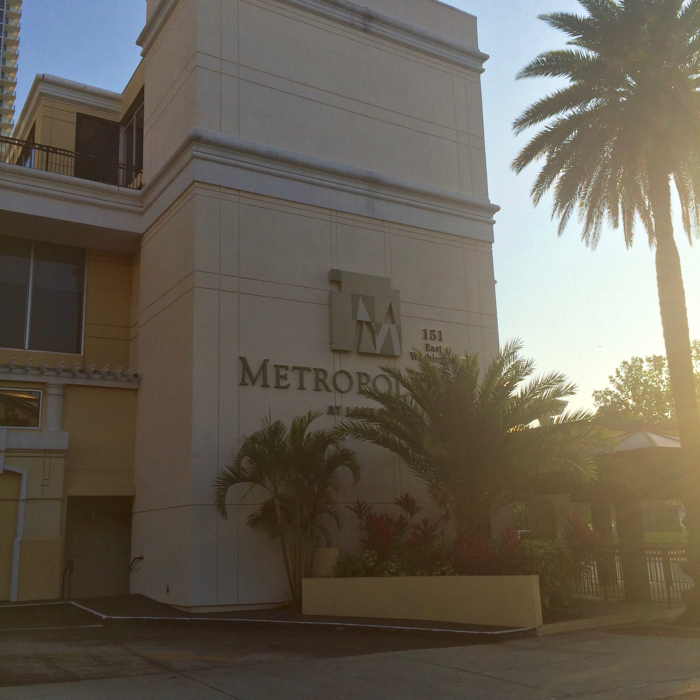 The Metropolitan At Lake Eola