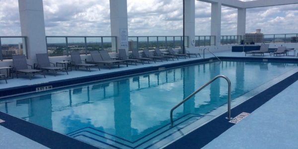 Star Tower – Rooftop Pool