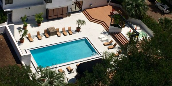 530 East Central – Pool